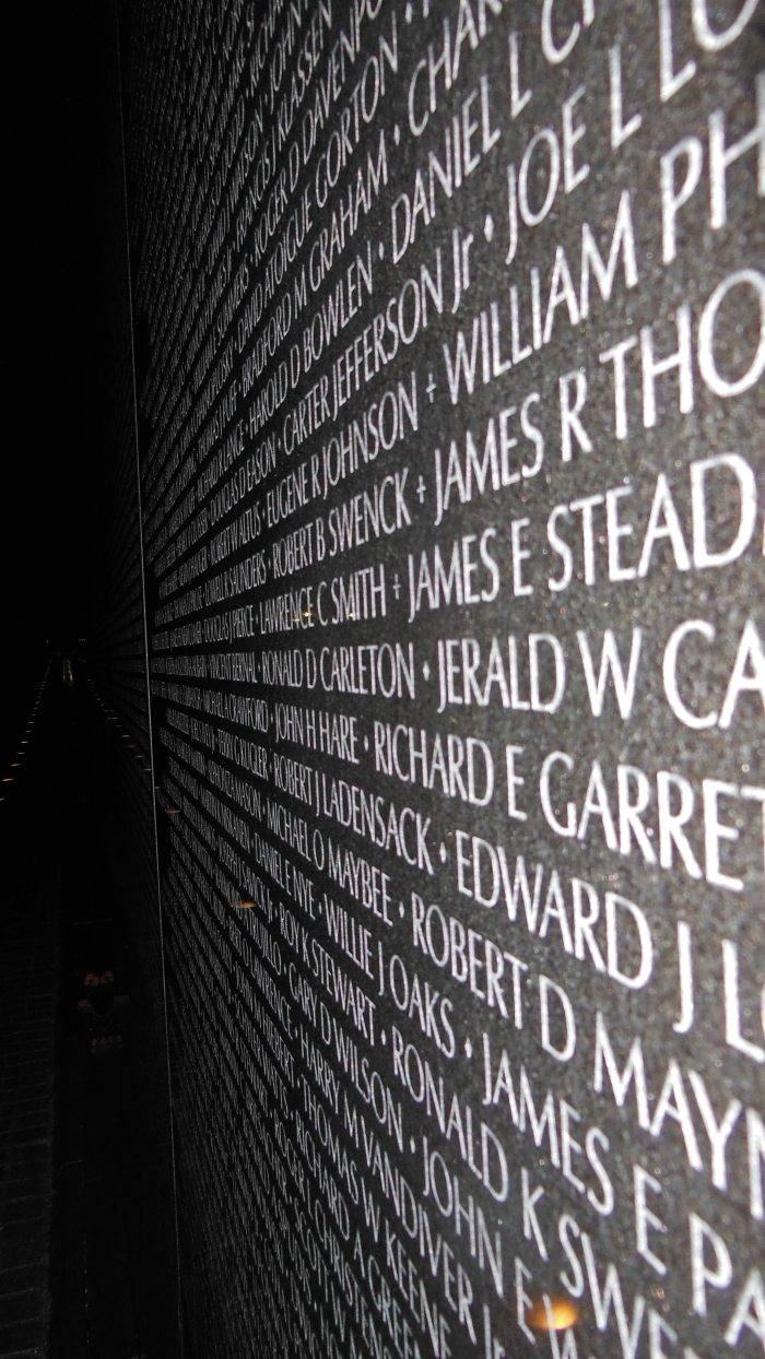 dc3vietvet-memorial-by-night_14743520889_o